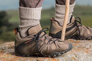 1-shoes-587648_640
